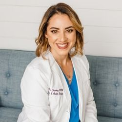 doctor Anne Sharkey. She's a podiatrist based in Texas and she's a contributor to betformyfeet.com in topics related to footcare.