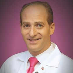 doctor Bruce Pinker, a podiatrist that collaborates with bestformyfeet.com